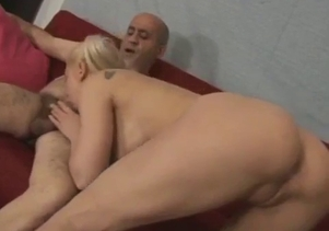 Daddy gives his daughter an awesome cunnilingus