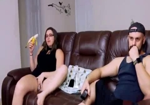Nerdy curvy sister eats my dick on the sofa